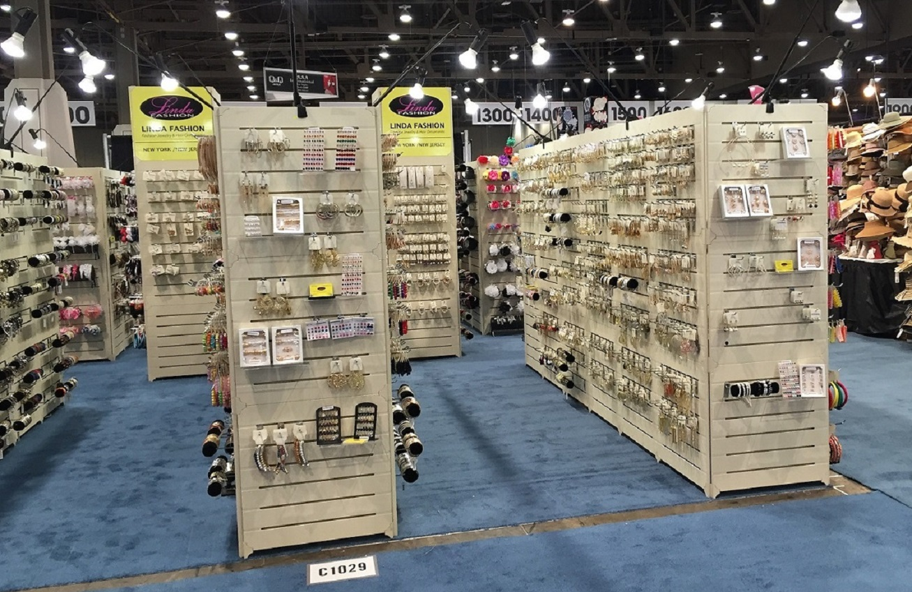 Las Vegas Island Booth Display.jpg